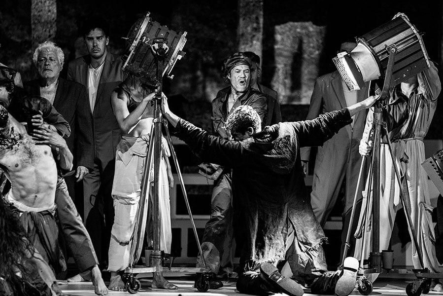 ★★  ANMELDELSE: INTOLLERANZA 1960 SALZBURGER FESTSPIELE: FØJ FOR HELVEDE!